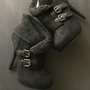Black Platform Heel Ankle Boots Booties Size 8.5